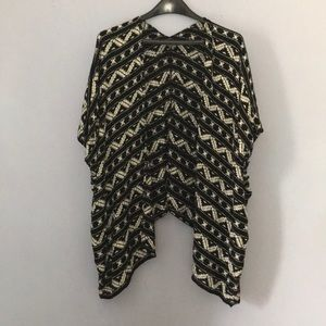 Geometric Print Lightweight Oversized Kimono Top